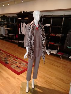 Mehr als nur Mode! Marc Cain, Tops, Outfits, Spring Summer, Suits, Kleding, Outfit, Outfit Posts, Clothes