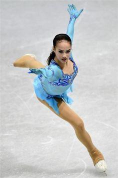 Kim Yuna, Figure Skating Olympics, Alina Zagitova, Ice Girls, Medvedeva, Figure Skating Dresses, Sporty Girls, Sports Photos, Ice Queen