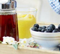 St Clement's rise & shine juice
