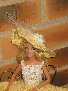 barbie-robe-paille - tuto chapeau : http://tricotdamandine.over-blog.com/tag/chapeaux%20barbie%20-%20tutos/