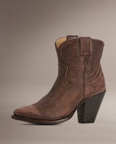 I want these so badly..the footloose short boots