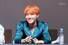 J-Hope ❤ BTS at the Myeongdong Fansign #BTS #방탄소년단