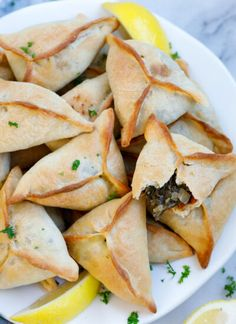 Crispy Potato Wedges, Crispy Potatoes, Lebanese Recipes, Lebanese Spinach Pies Recipe, Lebanese Cuisine, Lebanese Desserts, Snacks, Snack Recipes, Appetizer Recipes