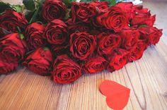 Love  Valentine's Red roses