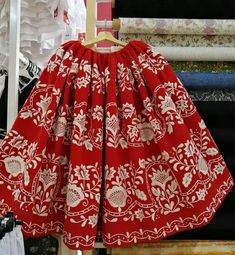 Folk Clothing, Murcia, Vintage Outfits, Women Wear, Culture, Gowns, Costumes, Embroidery, Skirts