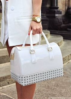 Say me Justine Trendy Handbags, Fashion Handbags, Purses And Handbags, Fashion Bags, Beautiful Handbags, Beautiful Bags, Cute Bags, My Bags, Bag Accessories