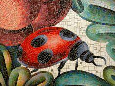 NYC, Bedford Park Boulevard: Community Garden, mosaic by Andrea Deszö (2006)