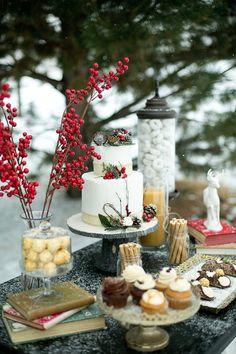 winter wedding inspiration for the modern bride #2014 #caketable #weddingchicks http://www.weddingchicks.com/2014/03/27/winter-romance-wedding-ideas/