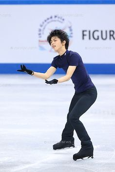 Yuzuru Hanyu (JPN), .DECEMBER 5, 2012 - Figure Skating : .ISU Grand Prix of Figure Skating Final 2012/2013 .Men's Practice .at Iceberg Skating Palace, Sochi, Russia. .(Photo by YUTAKA/AFLO SPORT) [1040]