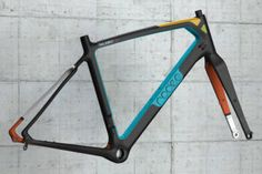 Rodeo-Labs_Trail-Donkey-2-0_all-trail-bike_blue_green_yellow