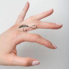Tiny Finger Tattoos, Finger Tattoo Designs, Small Tattoo Designs, Frog Tattoos, Mini Tattoos, Body Art Tattoos, Nature Tattoos, Dandelion Tattoos, Tatoos