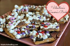 Easy Valentines day recipe for kids - Valentine's Smores Bark.  It's Valentines Pizza :)  Ben would love to make this for his class!