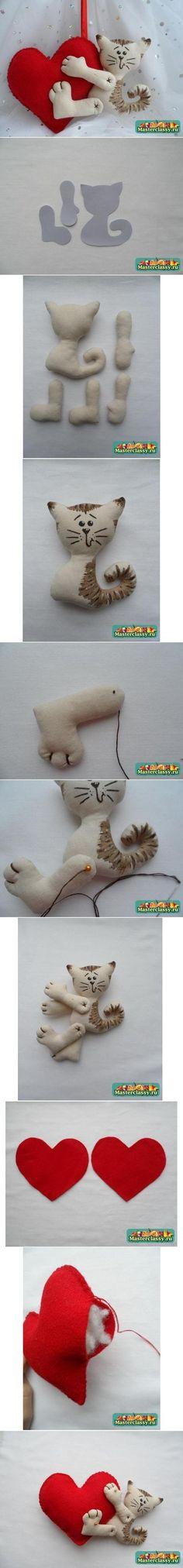 DIY Fabric Heart Kitten DIY Projects / UsefulDIY.com