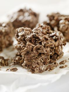 Protein and rolled oat clusters