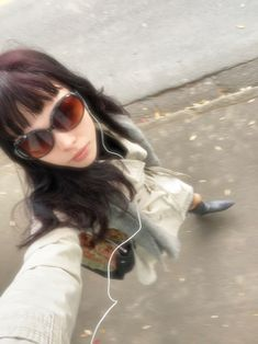 Jessica Day, Dull Hair, Get Skinny, Grunge Girl, Looks Cool, Ulzzang Girl, Pretty People, Cool Girl, Sunglasses Women