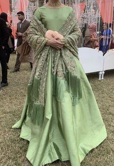 Pakistani Fashion Party Wear, Pakistani Wedding Outfits, Pakistani Dress Design, Indian Fashion, Wedding Dresses, Indian Party Wear, Pakistani Bridal, Shadi Dresses, Indian Gowns Dresses