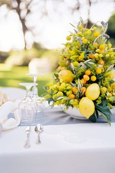 Citrus Centerpieces - Photography By / http://bwrightphoto.com, Floral Design By / http://annelangs.com