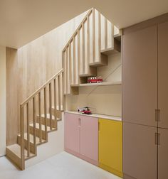 Bloomsbury Town House - oak stair to Lower Ground study - rear/basement extension - passivhaus retrofit - Prewett Bizley - 2016 Timber Handrail, Timber Staircase, Staircase Handrail, Stair Railing, Railings, Staircases, Interior Handrails, Staircase Interior Design, Entry Stairs