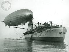 [Navy] Airship Los Angeles moored to ship first time. Patoka, first U. Navy dirigible tender, steaming up Chesapeake Bay from Baltimore. Zeppelin, Vintage Airplanes, Armada, Navy Ships, Submarines, Dieselpunk, Us Navy, Battleship, Military History