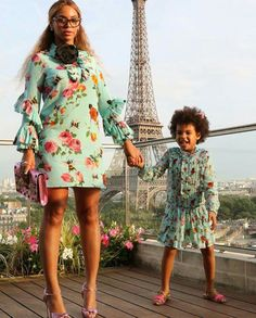 Beyoncé in her fabulous floral blue dress and cat eye glasses by Prada http://www.smartbuyglasses.co.uk/designer-eyeglasses/Prada/Prada-PR23SV-2AU1O1-302488.html