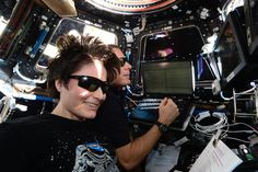 """Sam Cristoforetti on Twitter: """"On some rare occasions you need sunglasses even on ISS, like releasing #Dragon just after sunrise in front of you. http://t.co/VdunHue1eF"""""""