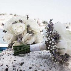 Ιδέες Διακόσμησης Γάμου Table Decorations, Flowers, Furniture, Home Decor, Decoration Home, Room Decor, Home Furnishings, Royal Icing Flowers, Home Interior Design