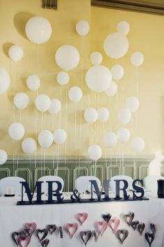 Diy balloon backdrop great for photo backgrounds the altar ontario wedding at the canada southern railway station by photobox photography wedding balloon decorationswedding junglespirit Gallery