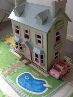 Le Toy Van - Mayberry Manor Wooden Dolls House with Furniture, Car and Play Mat