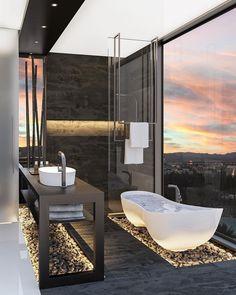 Wowww... The view and the bathroom. #bathroom #design #decor #interiordesign
