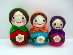 They are so cute triple set matryoshka dolls ♥you may decorate on your desktop or shelf with them or they could be use cute toys. ♥they have bee. Amigurumi Patterns, Amigurumi Doll, Doll Patterns, Crochet Patterns, Matryoshka Doll, Kokeshi Dolls, Crochet Dolls, Crochet Yarn, Knitted Animals