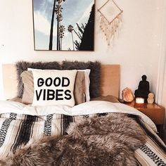 when you actually have time to make ur bed in the morning! Dream Bedroom, Home Bedroom, Bedroom Decor, Cozy Dorm Room, Uo Home, Room Mom, Cool Rooms, Little Houses, House Rooms