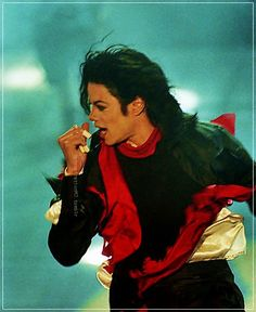 Michael Jackson - Earth Song in concert Earth Song, Gary Indiana, My First Crush, King Of Music, I Miss Him, Lady And Gentlemen, Michael Jackson, Foto E Video, Role Models