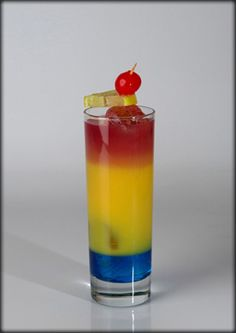 koktelmania.hu - Koktélok - Fruit Tingle Blue Curacao, Cocktails, Drinks, Shot Glass, Vodka, Food And Drink, Fruit, Tableware, Craft Cocktails