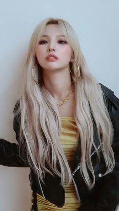 First Girl, My Girl, Cool Girl, Aesthetic Hair, Kpop Aesthetic, South Korean Girls, Korean Girl Groups, I Love Girls, Queen
