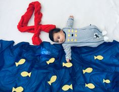 My little daughter became fish Monthly Baby Photos, Newborn Baby Photos, Baby Poses, Baby Boy Photos, Newborn Pictures, Baby Girl Newborn, Baby Pictures, One Month Baby, Newborn Baby Photography