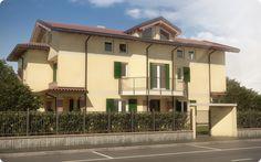 Paola House - house building