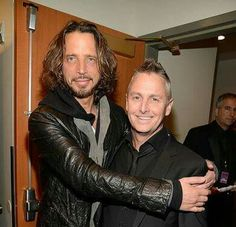 Chris Cornell with Mike McCready from Pearl Jam (& Temple of the Dog). ❤️