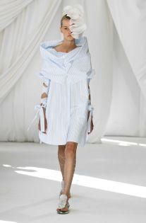Delpozo Spring 2019 Ready-to-Wear Fashion Show Collection: See the complete Delpozo Spring 2019 Ready-to-Wear collection. Look 13 Catwalk Fashion, Vogue Fashion, Fashion Week, Fashion 2017, Couture Fashion, Fashion Looks, Womens Fashion, Fashion Trends, Ladies Fashion