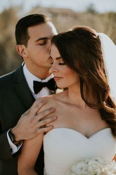 Bride and Groom Pictures, Bride and Groom Photos Ideas, Bride and groom pictures…, … – wedding photography bride and groom Wedding Couple Pictures, Wedding Picture Poses, Bride And Groom Pictures, Wedding Poses, Wedding Couples, Wedding Ideas, Trendy Wedding, Wedding Bride, Bride Groom