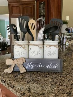 Farmhouse Style Antique Kitchens You Will Want – Antique Kitchen Ideas Farmhouse Style Kitchen, Modern Farmhouse Kitchens, Country Kitchen, Diy Kitchen, Farmhouse Decor, Kitchen Utensils, Awesome Kitchen, Kitchen Ideas, Kitchen Floor