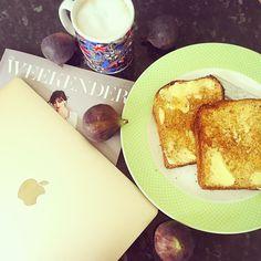 Weekend.... breathe  #weekend #weekendmorning #saturday #breakfast #toast #coffee #froth #milkfroth #homemade #apple #macbook #goldmacbook #countryliving #goodmorning #riseandshine #butteredtoast #honey #weekender #peaceandquiet