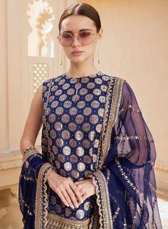 Latest 2019 Sabyasachi Sarees For Wedding Guests And Family - monA - Indian Designer Outfits, Designer Dresses, Sabyasachi Lehenga Bridal, Bollywood Saree, Bollywood Fashion, Anarkali, Indian Party Wear, Indian Wear, Pakistani Dress Design