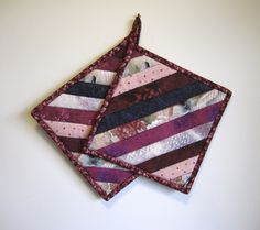"""Quilted Potholders """"Diagonal Selvedges"""" Set of 2 Hotpads, Quiltsy Handmade, Fabric Trivet, by ISewTotes on Etsy"""