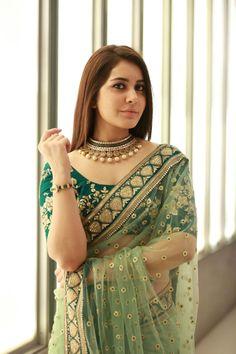 Raashi Khanna Photos at Cinemaa Awards - vTelugu