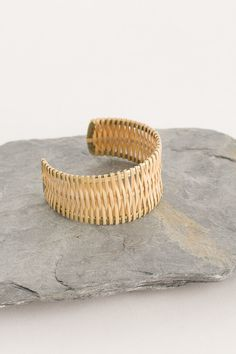 Jewellery: Rings, Earrings, Bracelets, Necklaces, and Hair Accessories Straw Weaving, Diy Friendship Bracelets Patterns, Tea Design, Coral Jewelry, Paper Jewelry, Bijoux Diy, Jewelery, Creations, Pantone 2020