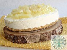 Tropische monchou met kokos en ananas - Bakkriebels Bake My Cake, Pie Dessert, High Tea, Cake Cookies, Vanilla Cake, Cake Recipes, Sweet Tooth, Bakery, Deserts