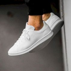The Best Men's Shoes And Footwear : adidas Stan Smith Primeknit (weiß) – Sneaker Store Fulda -Read More – Best White Sneakers, Buy Sneakers, Sneakers Mode, Sneakers Fashion, Fashion Shoes, Mens Fashion, Urban Fashion, Sneakers Adidas, White Adidas Trainers