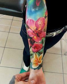TATTO IDEAS & INSPIRATIONS Colorful floral sleeve by Mihail Storochzenko, an artist based in Krasnoyarsk, Russia.