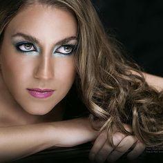 #detail  #beautyshoot  #makeup #metallic #kryolan #mac #model @Tamara #hairstylist @ÁngelAvila  #makeupartist  @mariadeaguero1  #photo and #post Emmanuel Torres @manuphoton #CDMX