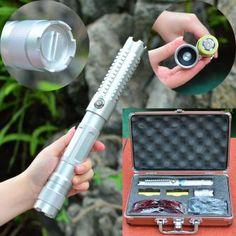 ( http://www.laserfr.com/acheter-pointeur-laser-vert-30000mw.html )   Ce pointeur laser vert 30000mW 532nm est l'un des le plus puissant et lumineux vert pointeur laser, nous avons maintenant, il est conçu avec un objectif focusable, corps en alliage d'aluminium.